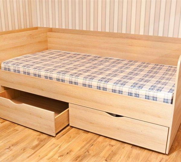 Viengulė lova jaunuolio kambariui