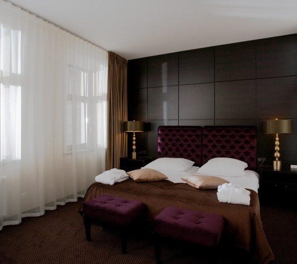 Viešbučio kambario miegamojo baldai