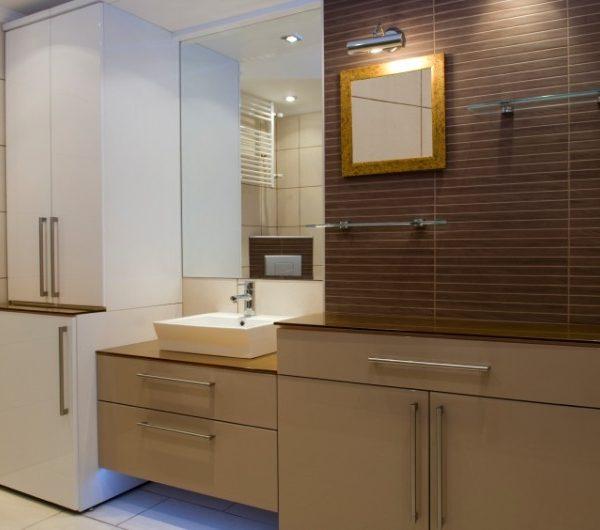 Vonios kambario baldų komplektas